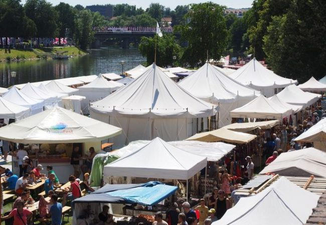 Things to remember when designing the perfect marquees to advertise your company